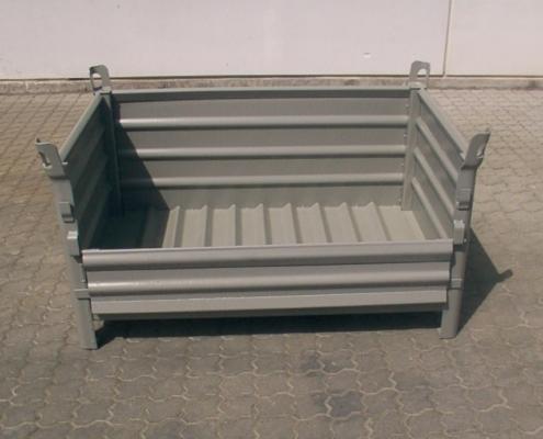 Stahlblechbehälter mit Klappe